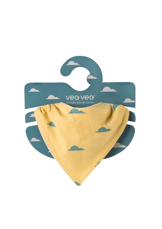 pañuelo amarillo estampado de nubes