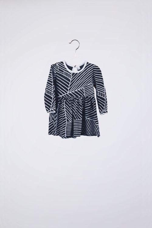 vestido azul con lineas blancas