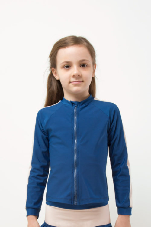 eco friendly rash guard blue. Front zipper, girl front view