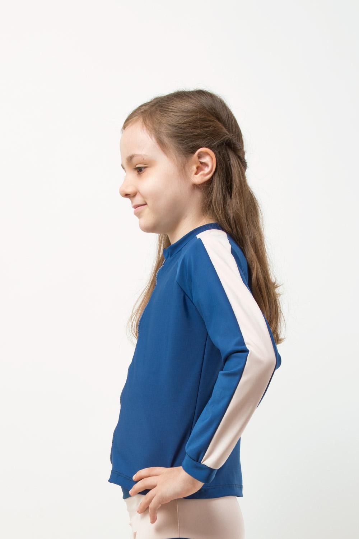 eco friendly rash guard blue. Front zipper, girl view
